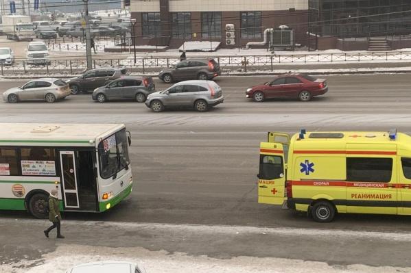 Инцидент с пассажиркой произошел в районе 10 утра