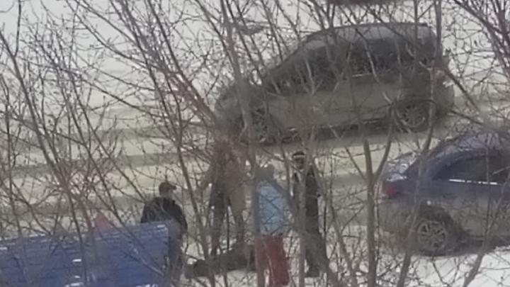 В Калининском районе водитель «Киа» сбил мужчину