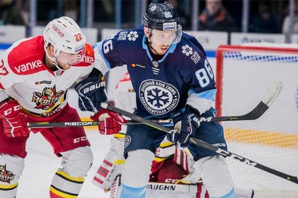 Это первая победа «Сибири» в этом сезоне. Кстати, игру посетил хоккеист, обладатель Кубка Стэнли 2018 года, трёхкратный чемпиона мира Александр Овечкин