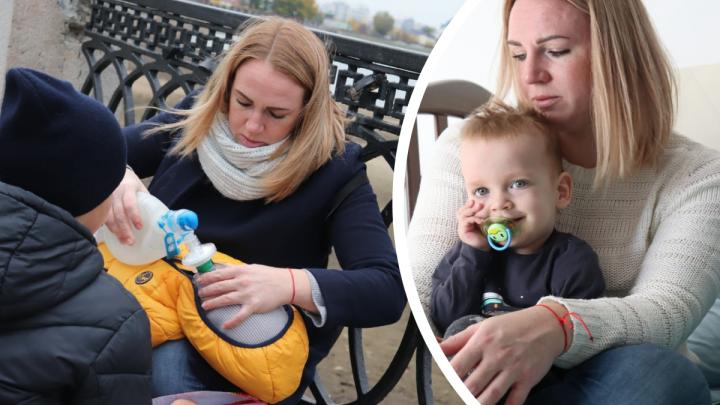 «Когда видишь, что он задыхается, нет времени думать»: мама мальчика со СМА — о том, как реанимировала его в центре Екатеринбурга