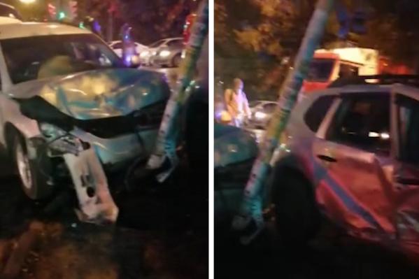 Авария произошлана пересечении улиц Сталеваров и Богдана Хмельницкого