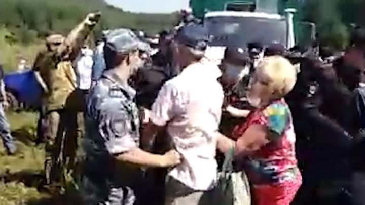 «Сидела на земле, тяжело дышала, стонала»: на Куштау затоптали пенсионерку