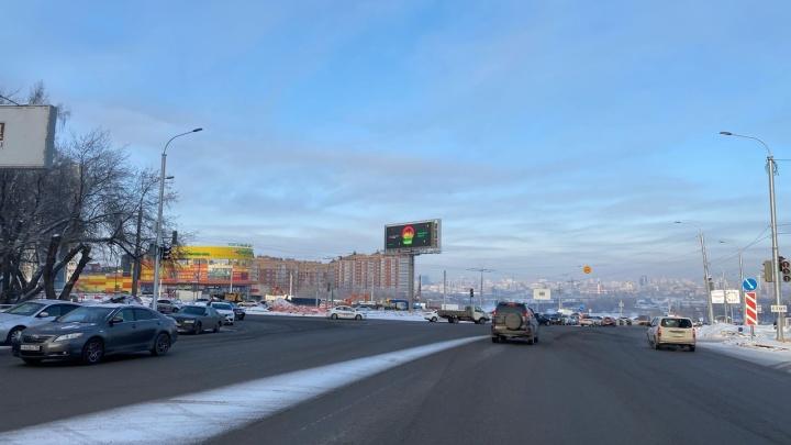 «Решили сэкономить»: власти Новосибирска отказались от строительства надземного перехода на площади Лыщинского