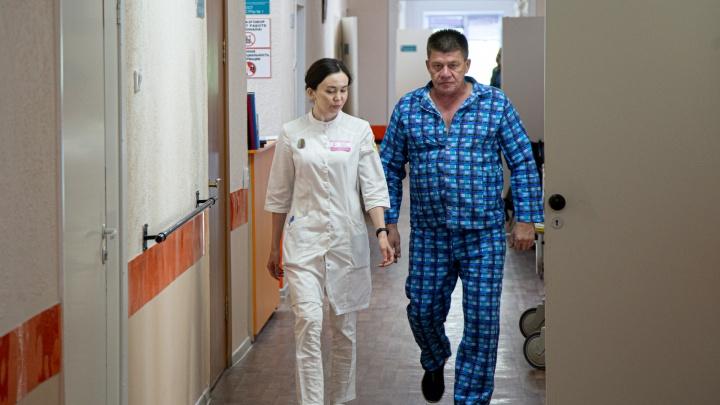 Челябинские хирурги спасли водителя, у которого в дороге оторвался тромб