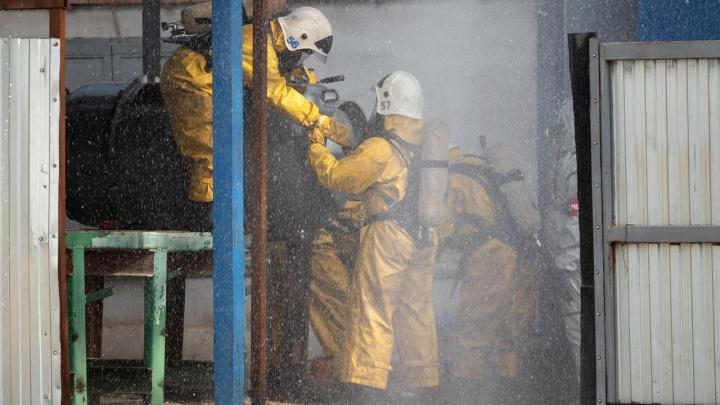 «Утечка хлора, всем покинуть опасную зону»: в Волгограде прошли учения на химически опасном объекте