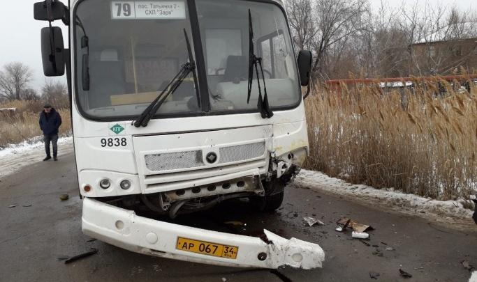 Волгоградка отсудила 200 тысяч рублей за разбитый в ДТП с автобусом нос