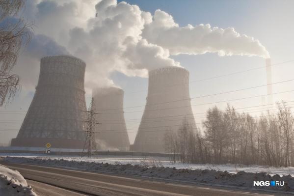 По словам министра, наибольшая экологическая опасность для города — дым от ТЭЦ, который не поднимается вверх, а рассеивается горизонтально
