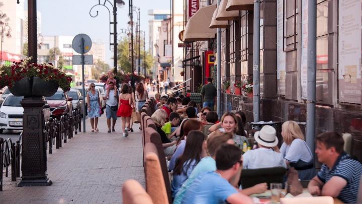 Верандам быть? Что думают тюменцы и рестораторы о предложении губернатора развивать уличный общепит