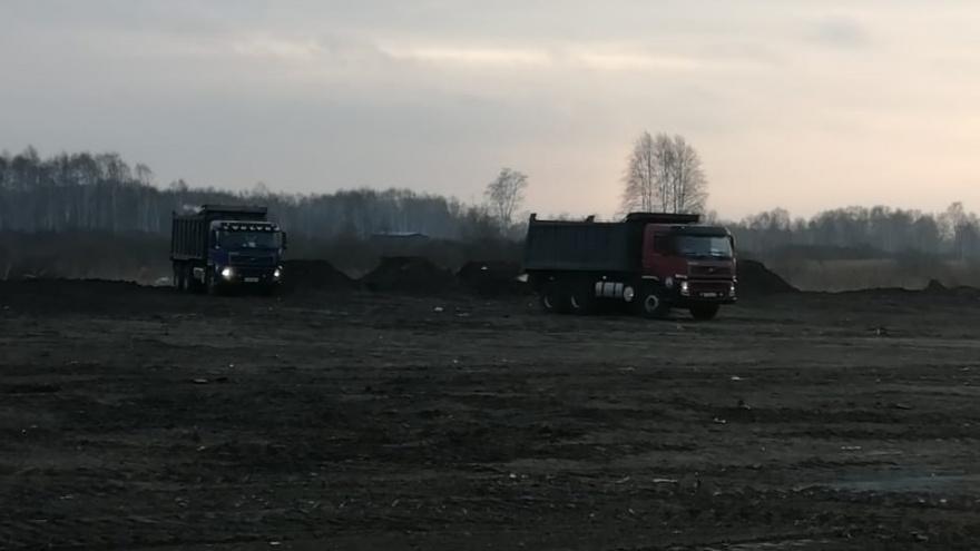 Круглосуточный шум: дачники пожаловались на новый полигон для складирования снега в Тюмени