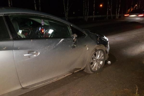 После столкновения с машиной жителя Онеги увезли в больницу