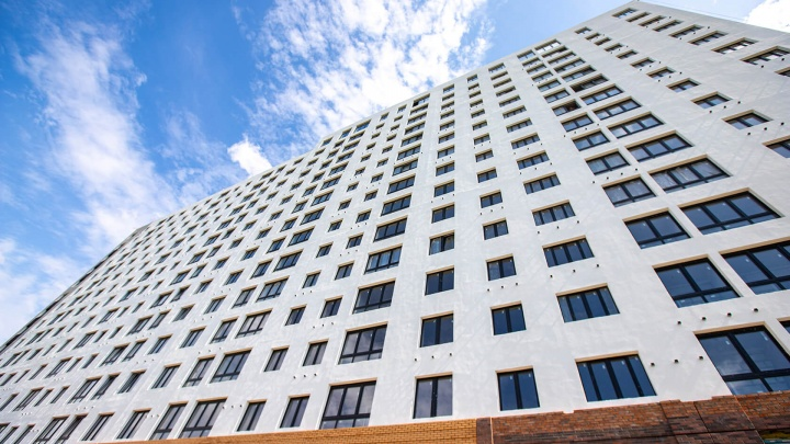 В новом доме штурмуют первые этажи — в чем секрет этих квартир