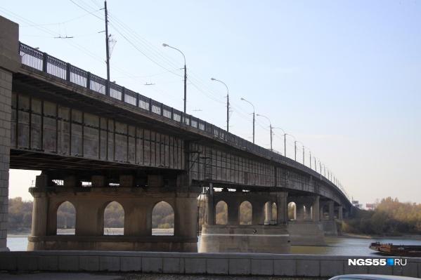 На ремонт омских дорог из бюджета выделят 100 миллионов рублей