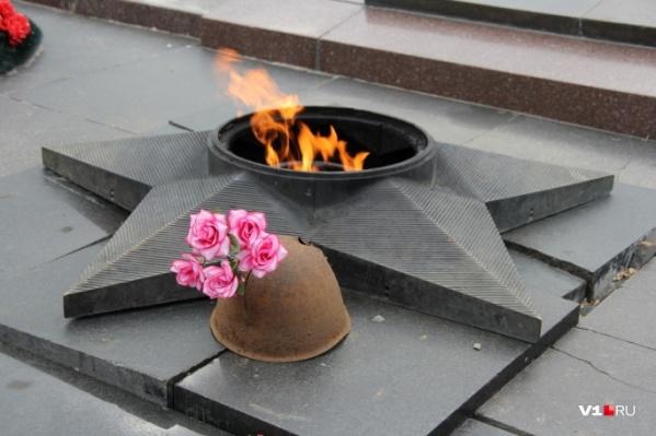 Виновные в осквернении Вечного огня не понесли сколь-нибудь сурового наказания