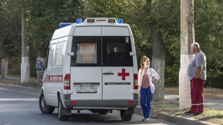 Один умерший, 96 заболевших: в Волгограде удерживают на одном уровне число пораженных коронавирусом