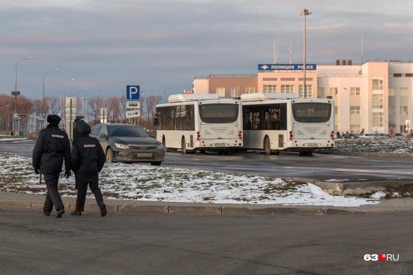Сотрудники МВД патрулируют улицы