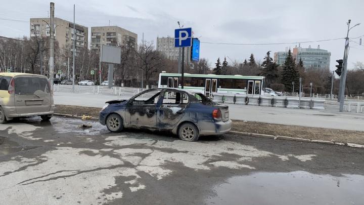 Ревнивый тюменец дважды сжег машины любимой женщины