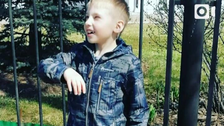 «На ручке начался некроз тканей»: московские врачи борются за жизнь искалеченного в аварии мальчика