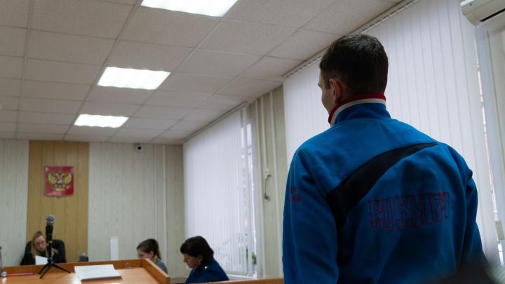 Прокурор запросил 9 лет лишения свободы для главаря банды омских сутенеров