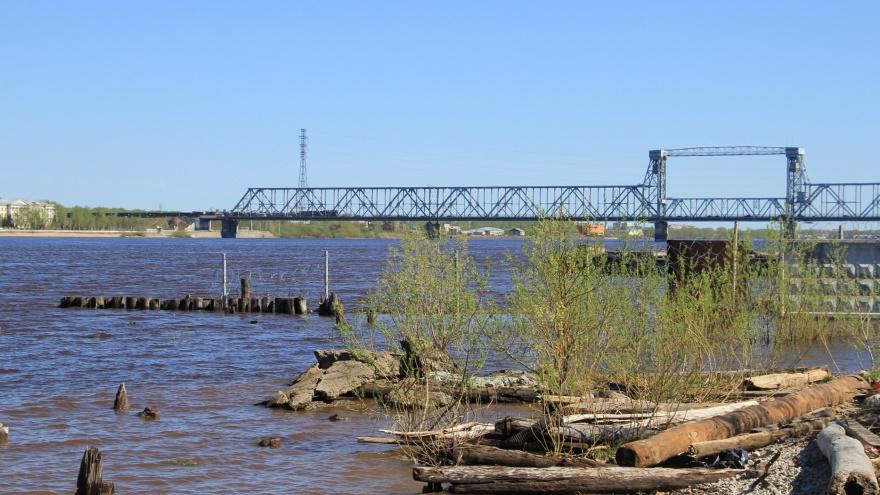 Движение по железнодорожному мосту в Архангельске перекрывают по ночам до 15 июня