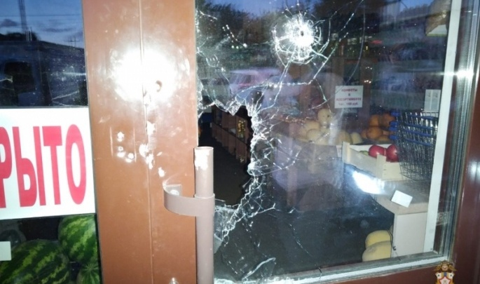 В Таре мужчина обстрелял из ружья два кафе