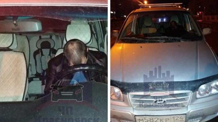 Пьяный водитель заснул за рулем посреди дороги на правобережье