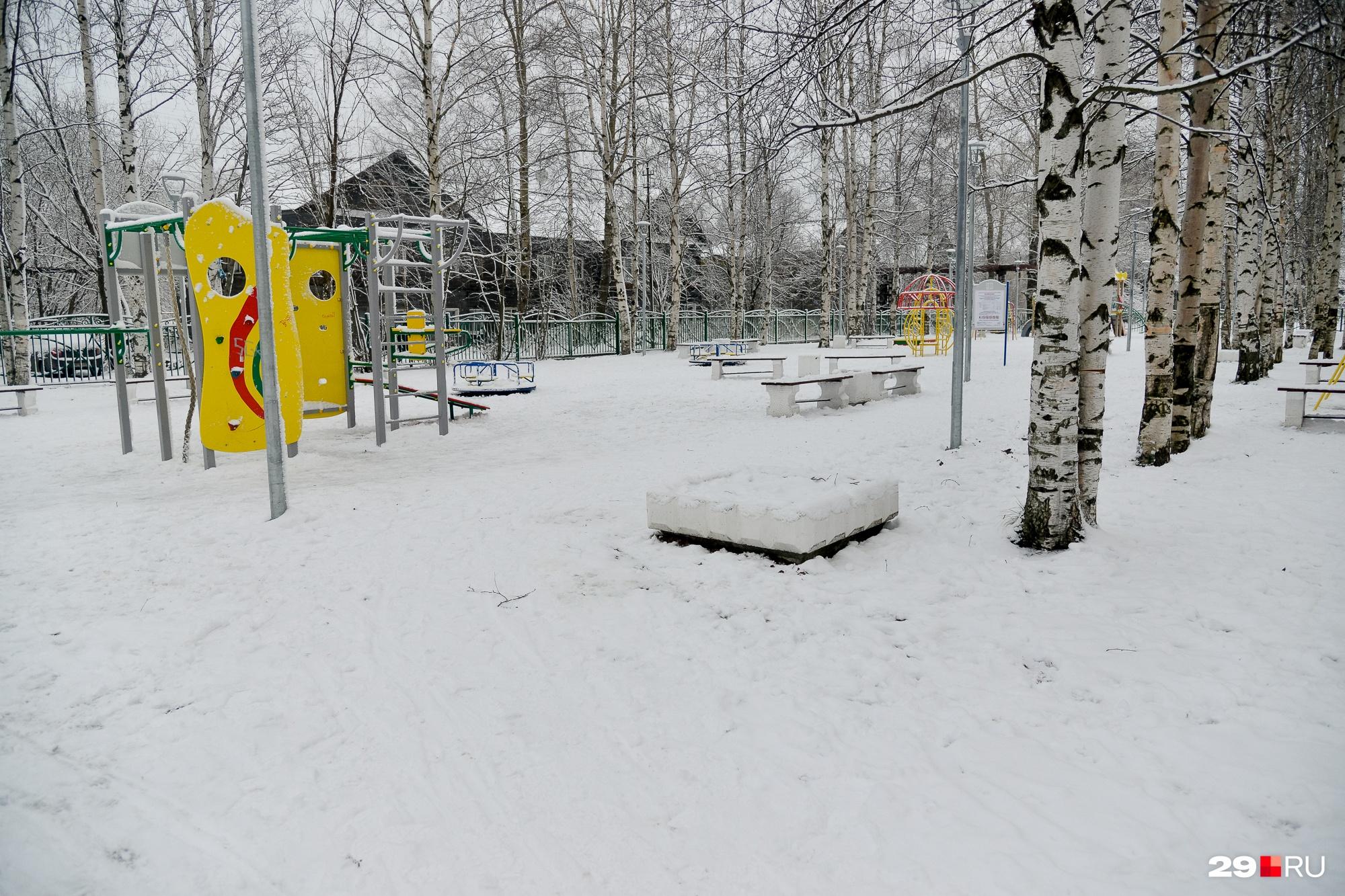 Еще один парк для детей во дворах на улице Партизанской