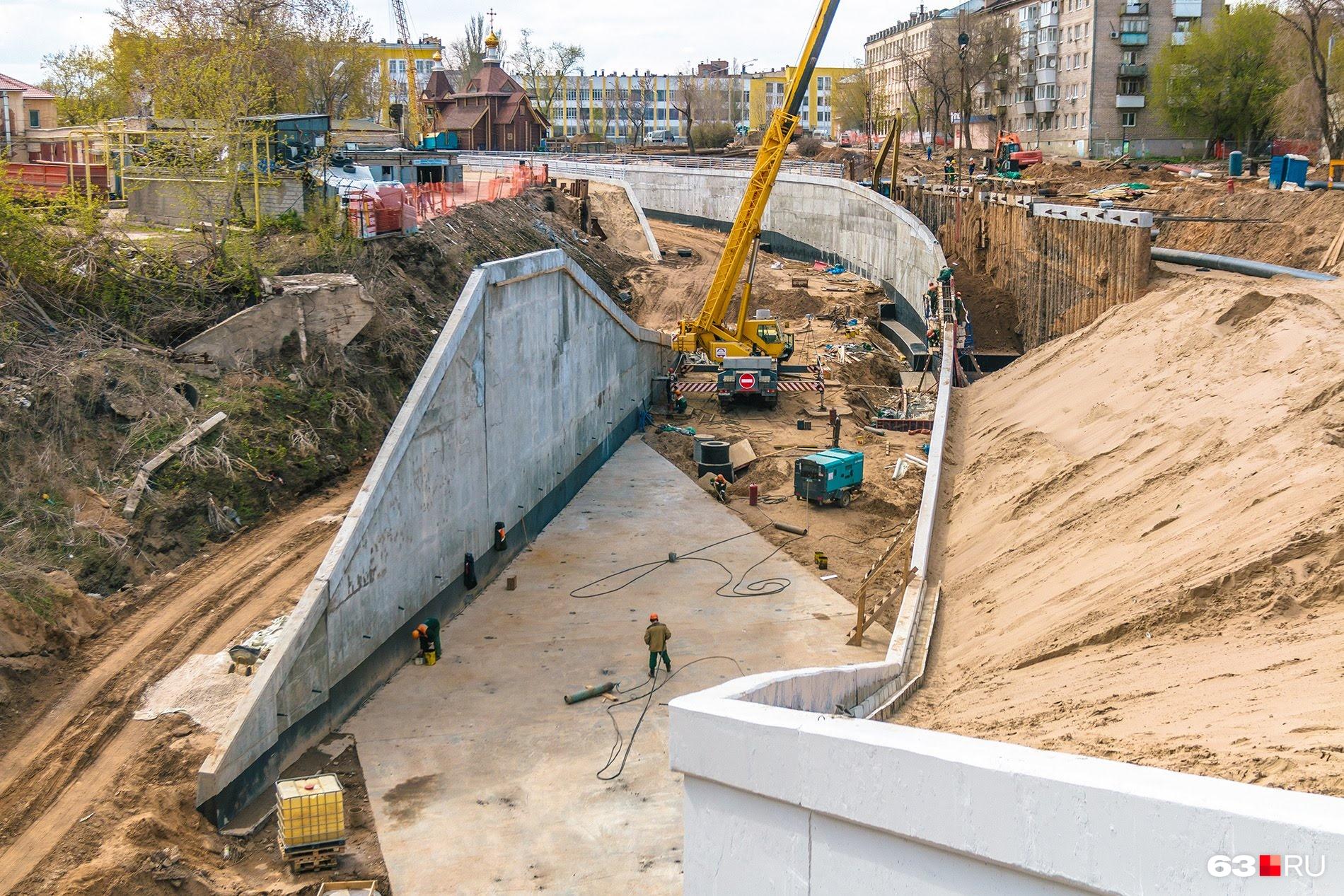 Мост не ввели в эксплуатацию из-за недостроенных съездов