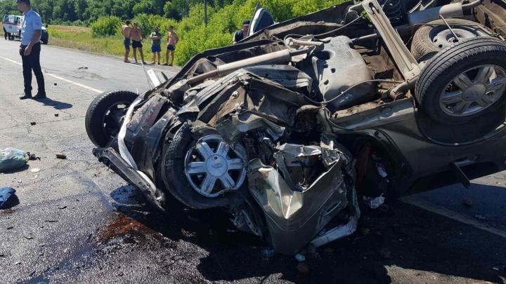 Появились фото с места страшной аварии под Сызранью