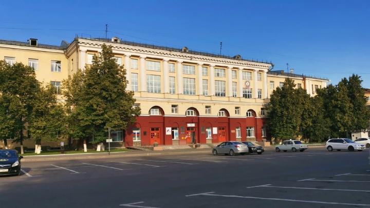 Главный отраслевой вуз Кузбасса остался без студентов. Недобор — сотни человек