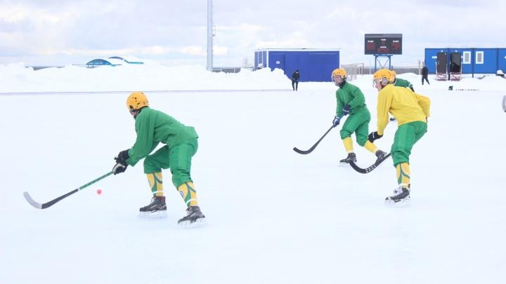 «Водник» обыграл сыктывкарского «Строителя» в рамках чемпионата России по хоккею с мячом