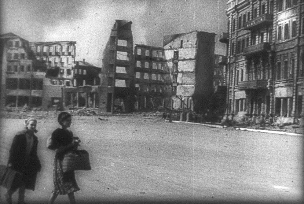 Жители Сталинграда покидают родной город
