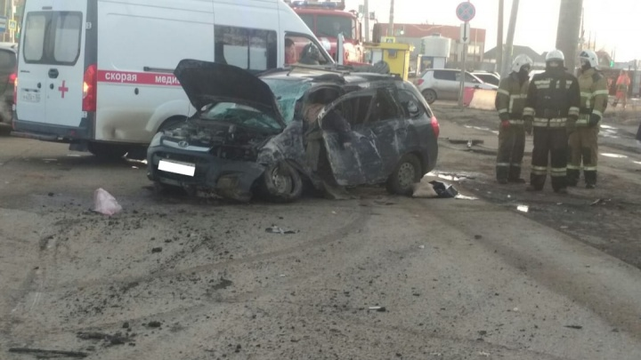«Смяло как бумагу»: водитель Lada Kalina погиб после ДТП на Кряжу