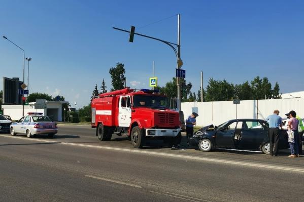 В результате ДТП пострадал водитель Lada Priora