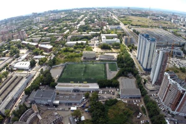 В район, где собираются строить школу, много высотных новостроек