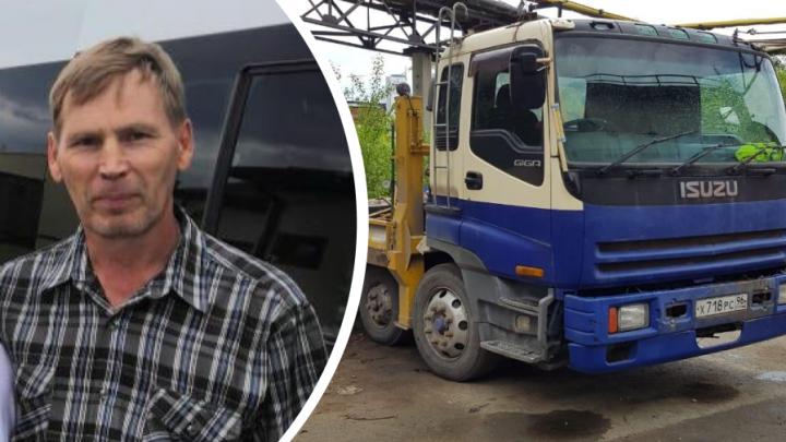 По пути из Екатеринбурга в Полевской вместе с машиной пропал водитель эвакуатора