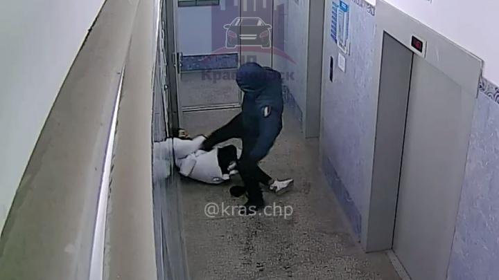 Жуткое нападение на девушку произошло в одном из домов на Пашенном