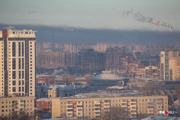 Жители верхних этажей, скорее всего, стараются лишний раз не выглядывать в окна