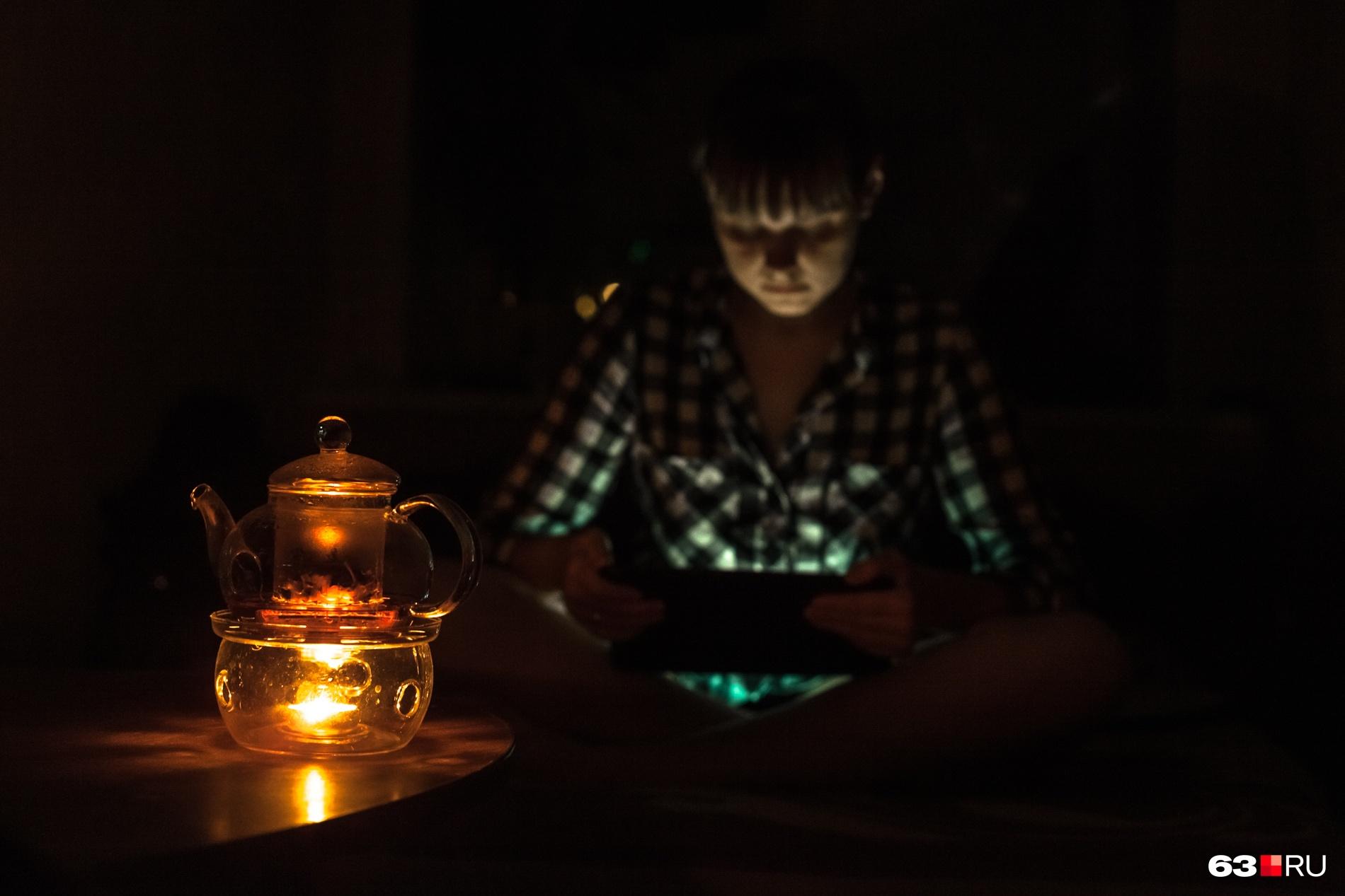 Гаджеты требуют много энергии, поэтому заряжать их лучше ночью