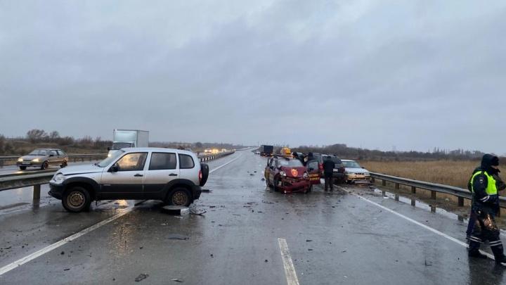 Ледяной дождь в Ростове и огромные пробки на трассе: события выходных, 12 и 13 декабря