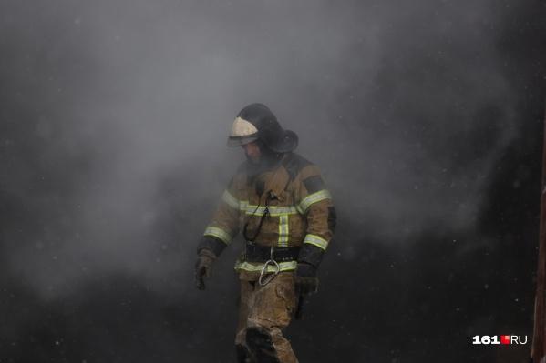 Пожарные тушили огонь более семи часов