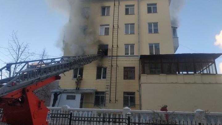 «Дым столбом из окон»: в Самаре горел жилой дом с детским садом