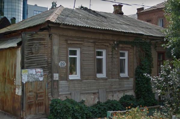 Аварийный дом на улице Садовой, 89, — в списке на демонтаж