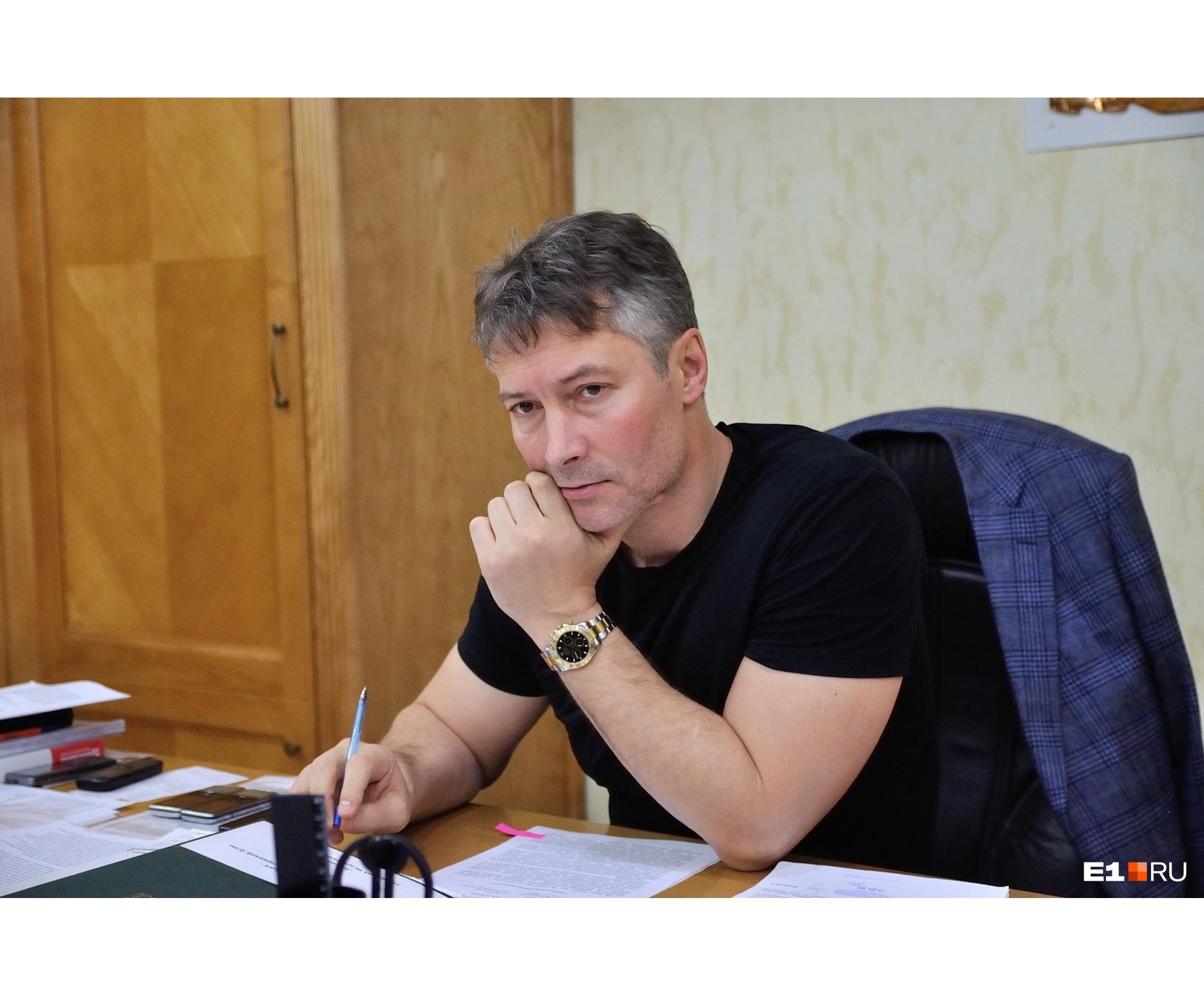 Евгения Ройзмана избрали мэром Екатеринбурга в 2013 году, а в 2018-м он написал заявление об отставке