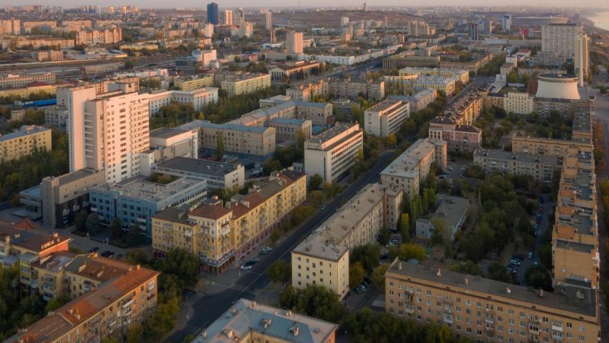 Многоэтажки в центре и частный сектор на севере: где в Волгограде отключат свет 29 октября