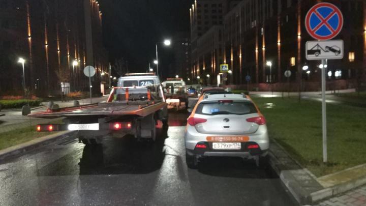 В Екатеринбурге ночью устроили массовую эвакуацию автомобилей