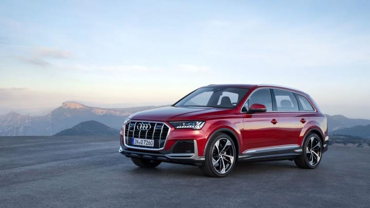 Покоряет раскаленный асфальт Сочи и ледовые глади озер в Карелии: как изменился новый Audi Q7