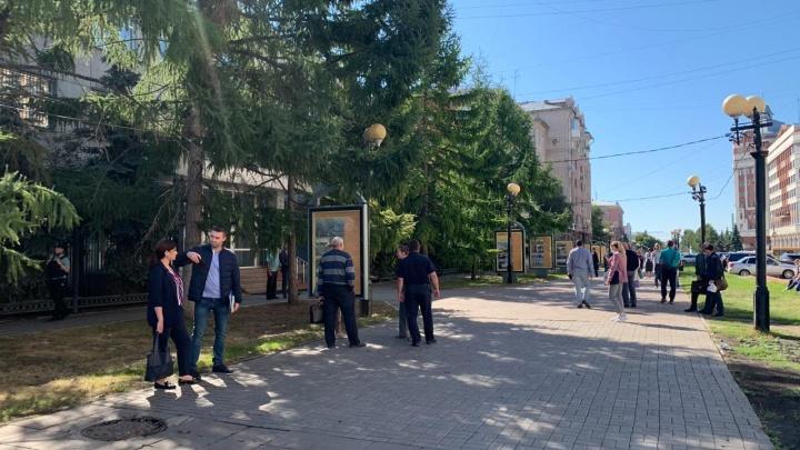 В Омске снова эвакуируют суды