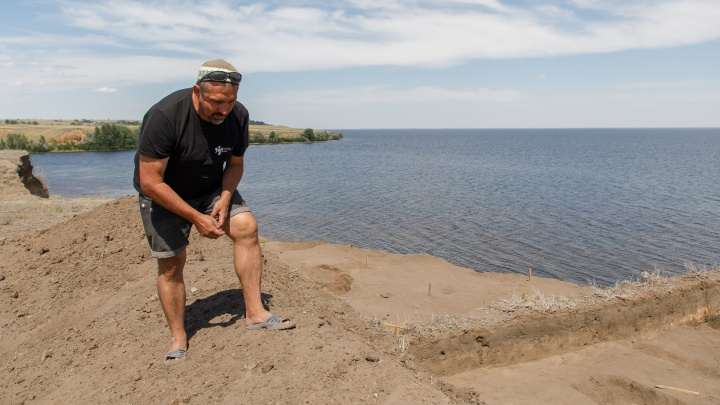 «Нам приходится опережать Волгу»: под Волгоградом археологи ищут следы древнего города Золотой Орды