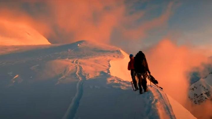 Новосибирец снял завораживающее видео о восхождении на высочайшую точку Сибири