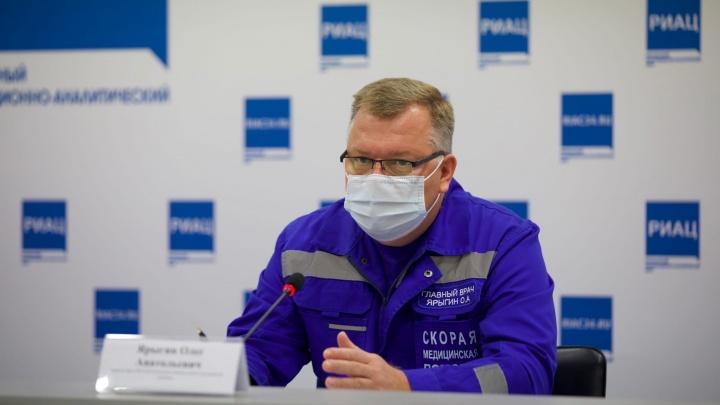«Эта болезнь не подразумевает госпитализации»: главный врач скорой помощи — о скандале с высаженной пациенткой